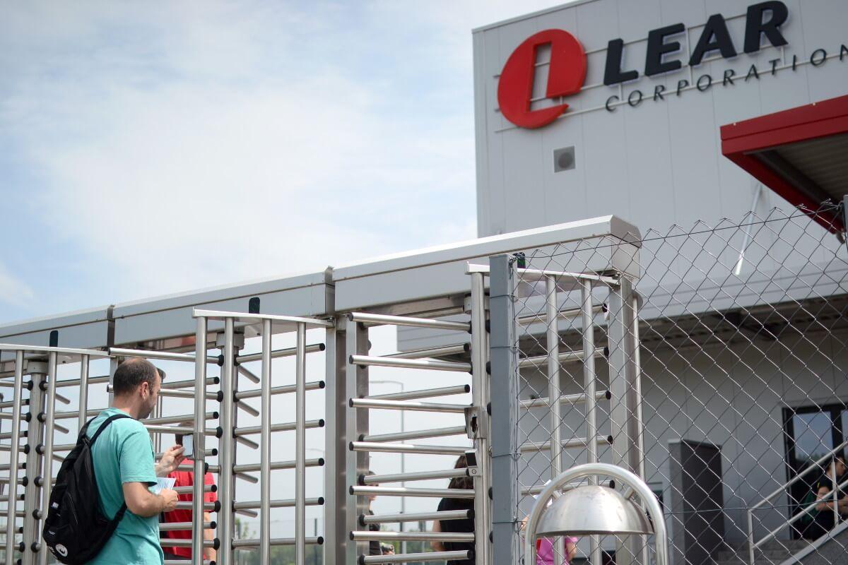 """Izgradnja industrijskog objekta u delu radne zone 4 u Novom Sadu – """"Lear"""""""